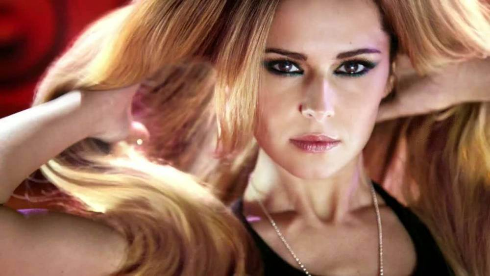 New Feria Hair Colour by L'Oreal Paris Official TV Advert featuring Cheryl Cole